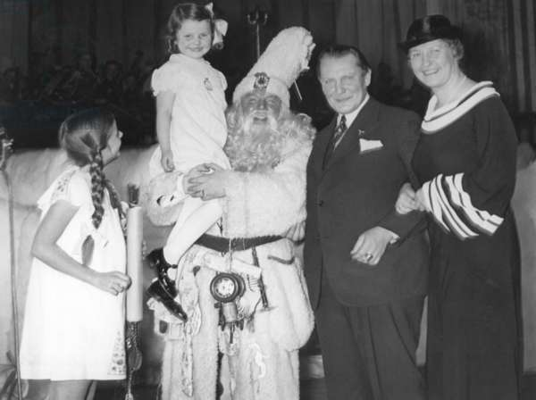 Hermann Göring with his wife on Christmas Eve, 1936 (b/w photo)