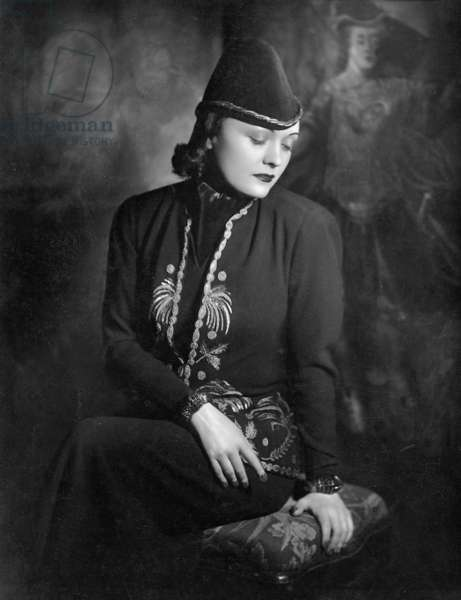 Pola Negri, 1937 (b/w photo)