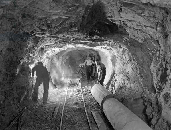 Salt mine, 1928