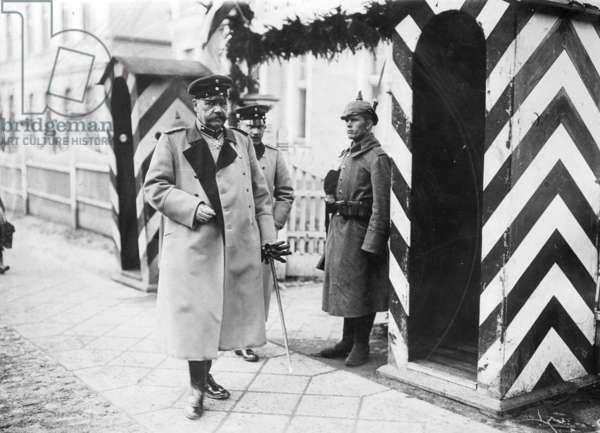 Paul von Beneckendorff and von Hindenburg, 1914 (b/w photo)