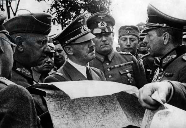Adolf Hitler visit the fron in Poland, 1939 (b/w photo)