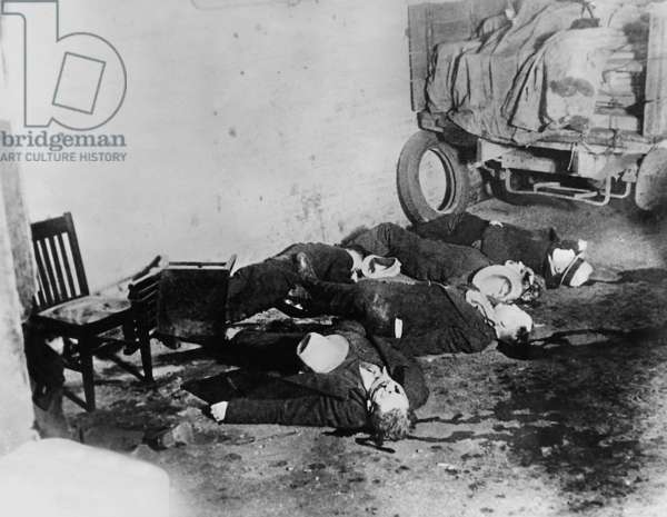 Corpses of the Valentine's Day massacre in Chicago, 1929 (b/w photo)