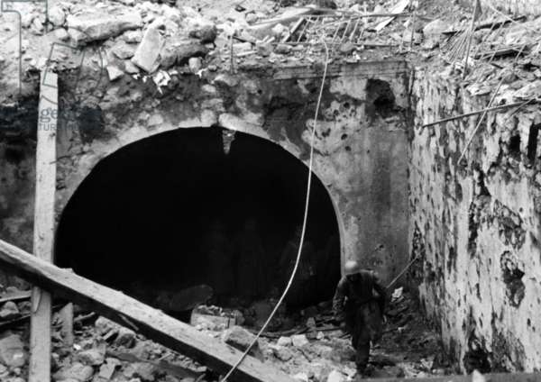 Entrance to the German command post in Cassino, 1944 (b/w photo)