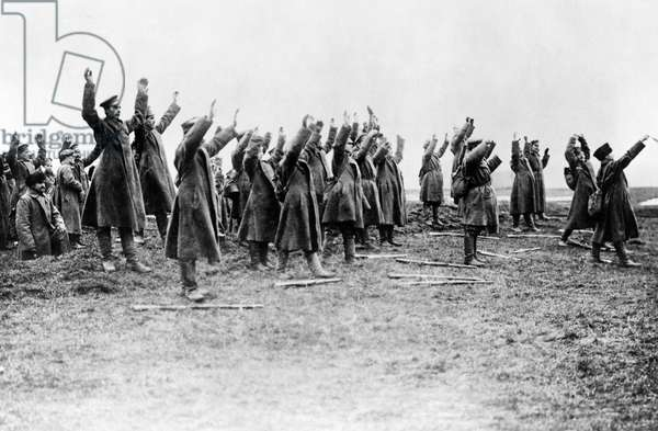 Russian soldiers surrender to the Germans, 1915 (b/w photo)