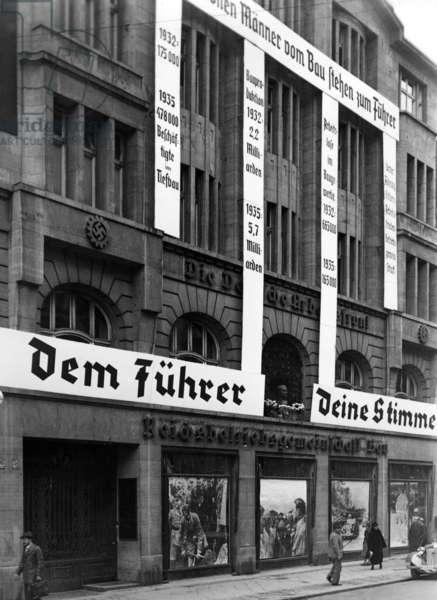 Election propaganda of the Reichsbetriebsgemeinschaft Bau for the Reichstag elections 1936 (b/w photo)