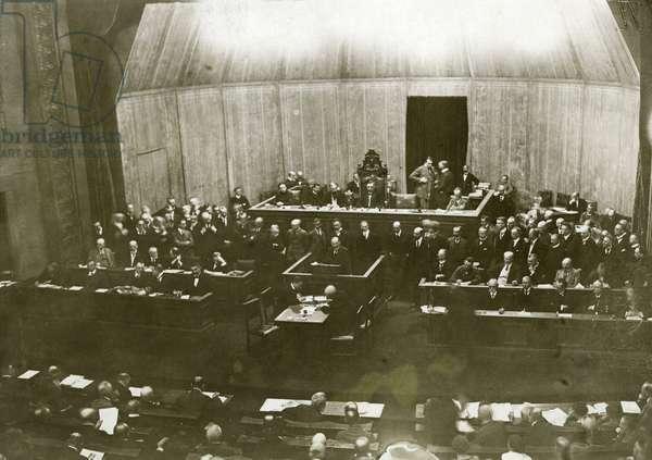 Scheidemann opposes the adoption of the Versailles Treaty, 1919