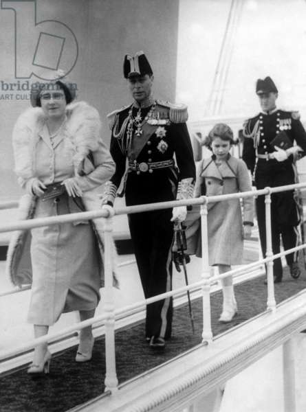 The royal family on board the royal yacht, 1937 (b/w photo)