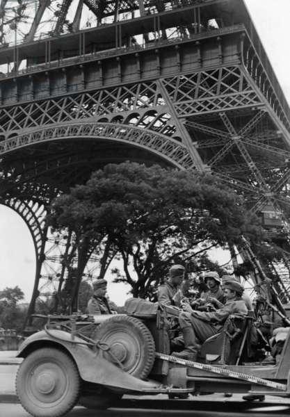 Invasion of Paris by the Wehrmacht, 14.06.1940 (b/w photo)