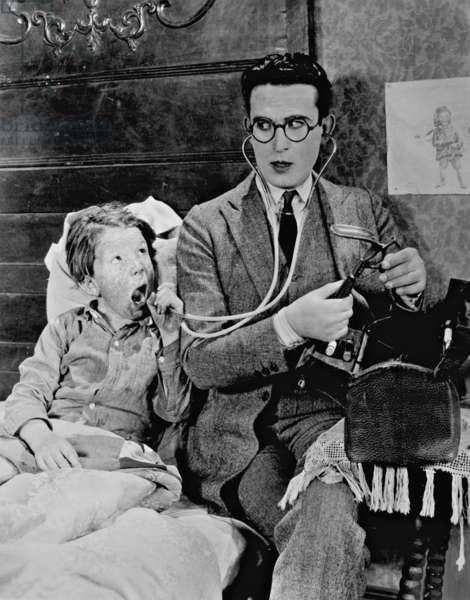 Film scene with Harold Lloyd (b/w photo)
