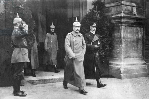 Kaiser Wilhelm II and Henry of Prussia at the Grosse Hauptquartier (Great Headquarters), 1915 (b/w photo)