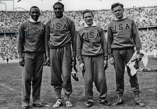 Jesse Owens with his team for the 4x100 m relay, 1936