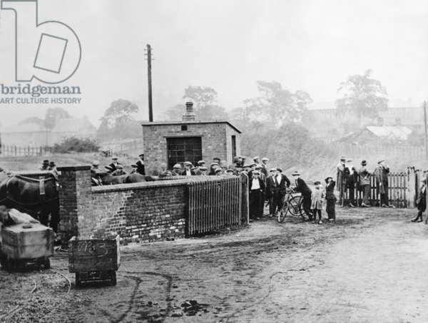 Miners' strike in Ilkeston, 1926 (b/w photo)