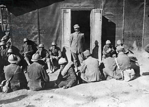 Italian prisoners of war, 1917 (b/w photo)