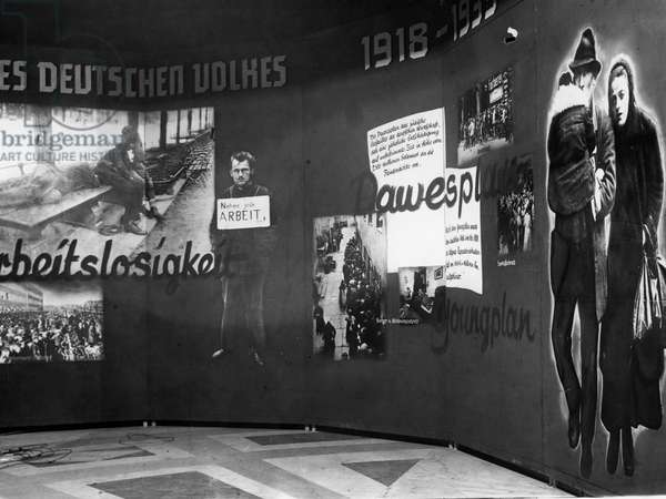 A wall in the exhibition 'The Eternal Jew' AT the Reichstag building in Berlin, 1938 (b/w photo)