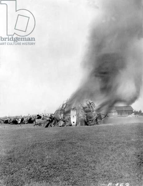 Incineration of German combat aircrafts in Griesheim, around 1920