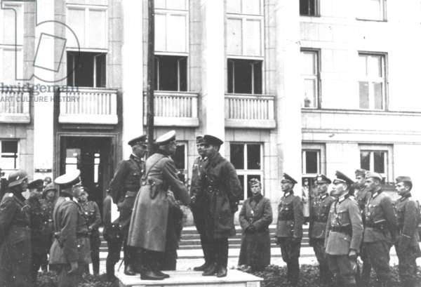 Heinz Guderian and General Kriwoschin in Brest-Litovsk, Poland, 22 September 1939 (b/w photo)
