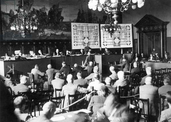 Negotiation at the Reichstag fire trial in Berlin, 1933 (b/w photo)