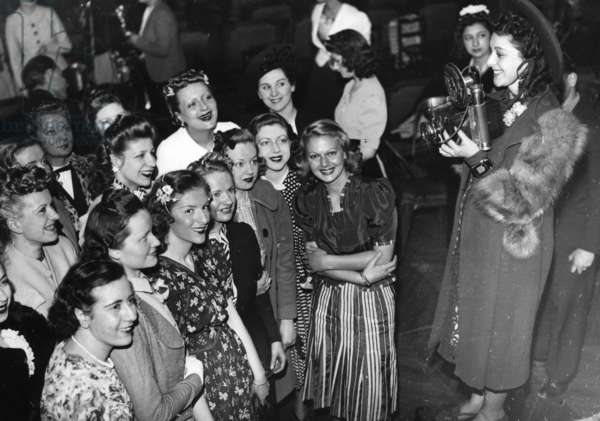 """Candidates of the """"Miss Photo"""" 1939 in France (b/w photo)"""
