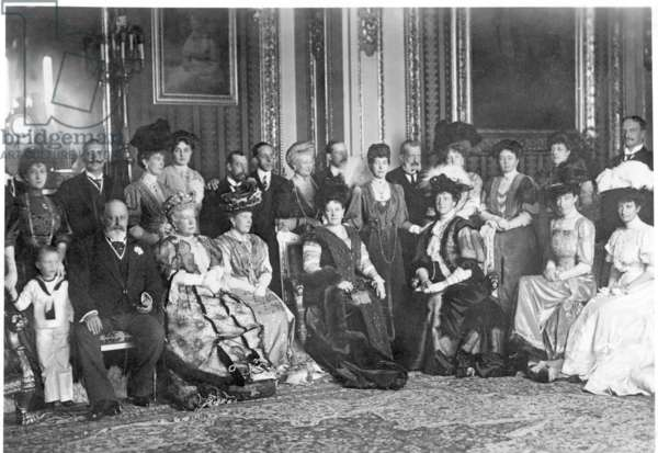 Group picture of the English royal house with foreign guests in Windsor, 1907