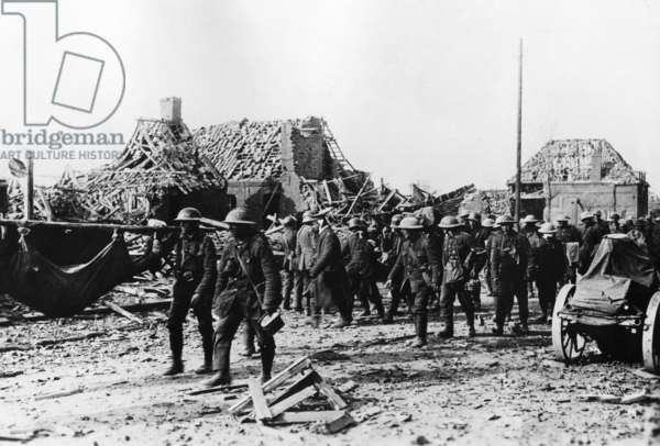 English prisoners of war transport wounded  (b/w photo)