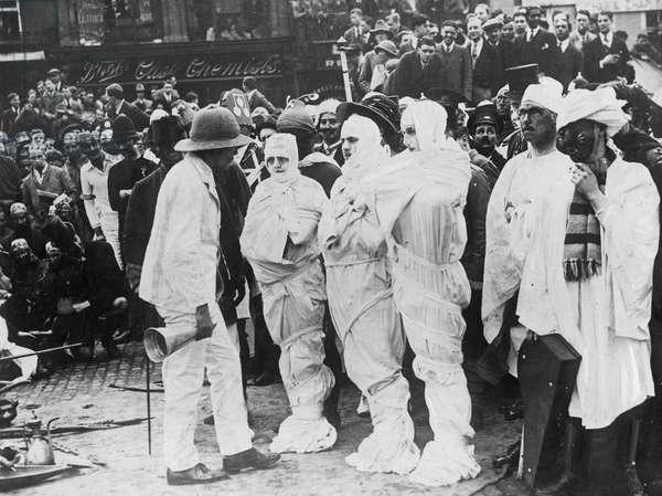 Students disguised as Tutankhamun in Cambridge, 1923 (b/w photo)