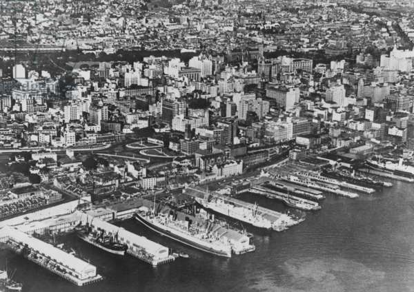 View of Sydney (b/w photo)