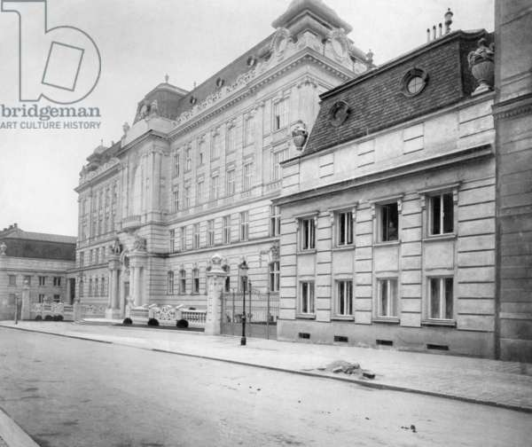 Consular Academy in Vienna, 1904 (b/w photo)