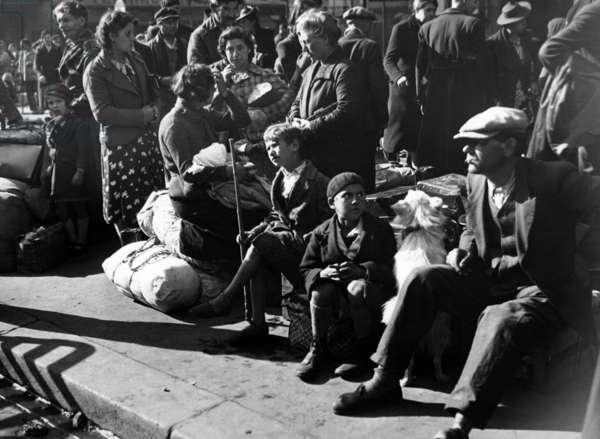 Belgian refugees in Paris, 1940 (b/w photo)
