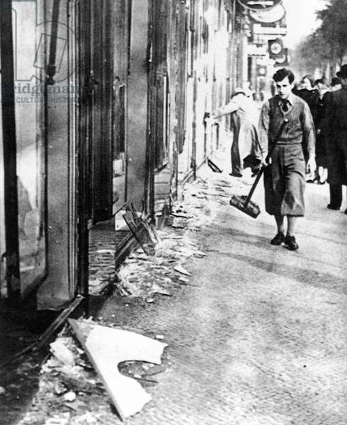 Cleaning up after the 'Reichskristallnacht' (Night of Broken Glass) in Berlin, 1938 (b/w photo)
