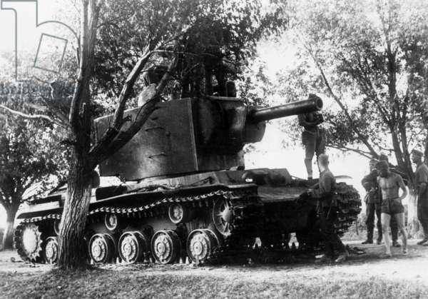 Shot up Russian KW 2 tank, 1941 (b/w photo)