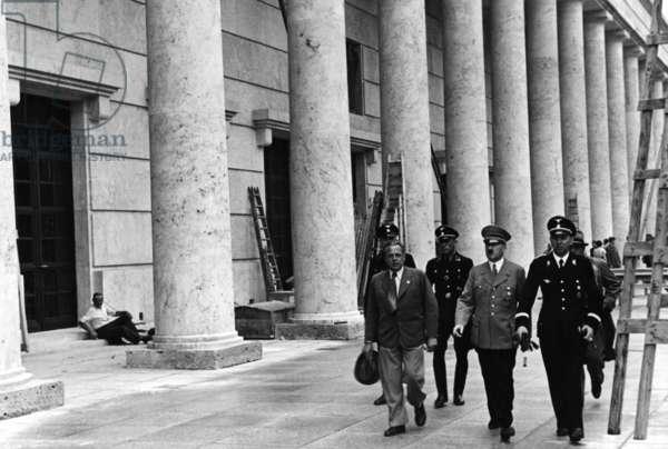 Adolf Hitler visits the construction site of the Haus der Deutschen Kunst, 1937