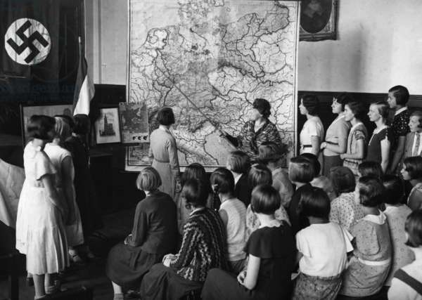 Event against the Treaty of Versailles at a school in Berlin, 1933 (b/w photo)