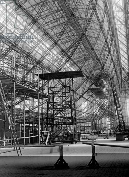 Skeleton structure of the zeppelin LZ129
