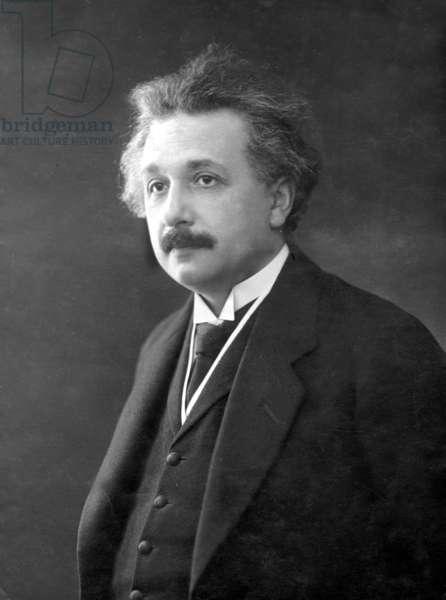 Albert Einstein, 1928 (b/w photo)