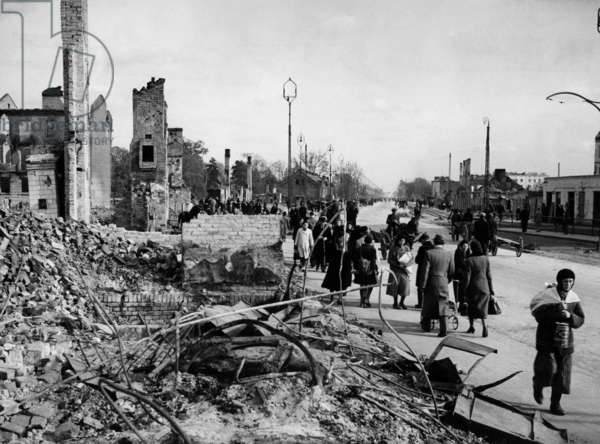 Invasion of Poland, september 1939: a street of Warsaw destroyed after german bombings on September 1st, 1939 (b/w photo)