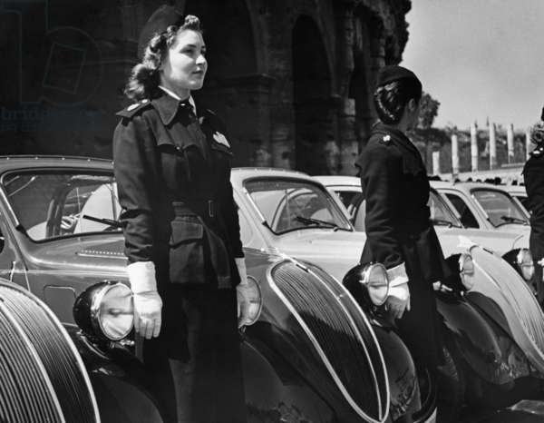 Young Red Cross nurses in Italy, 1939. (b/w photo)