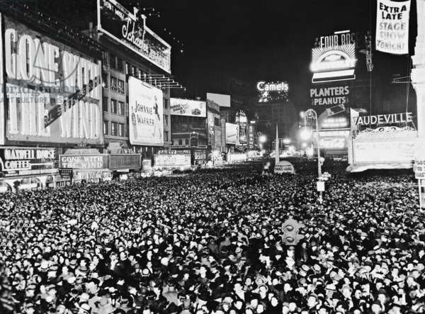 New Year's Eve celebration at the Times Square, 1940 (b/w photo)