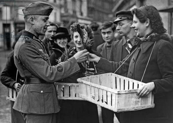 Second World War: Western Front. French civil population dealing with German occupation troops, 1940 - 1944