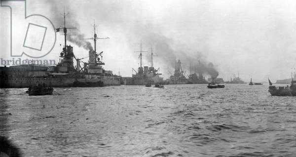 First World War: German High Seas Fleet waiting in their home bases (b/w photo)