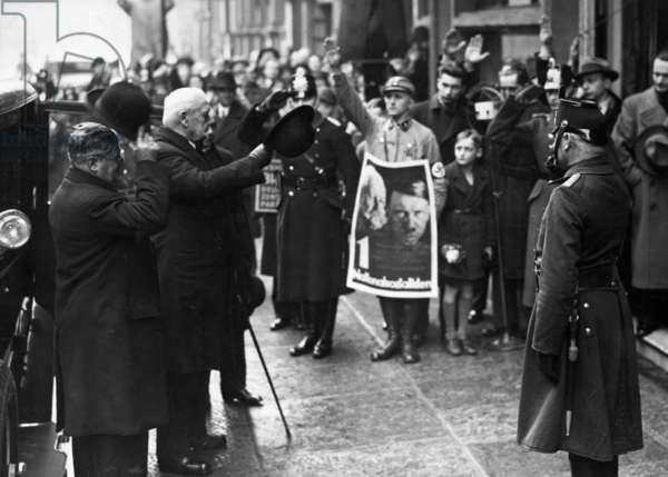 Paul von Hindenburg and Otto Meissner at the Reichstag election in 1933 (b/w photo)