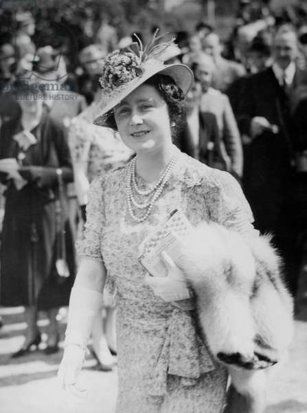Queen Elizabeth of Great Britain at the horse races, 1939 (b/w photo)