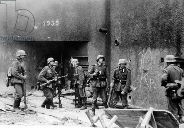 German soldiers in front of a bunker on the Maginot Line, 1940 (b/w photo)