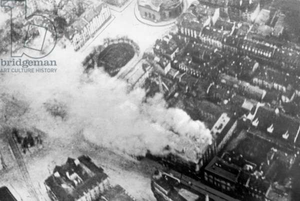 The burning Mathaeser brewery during the overthrow of the Bavarian Soviet Republic, 1919 (b/w photo)