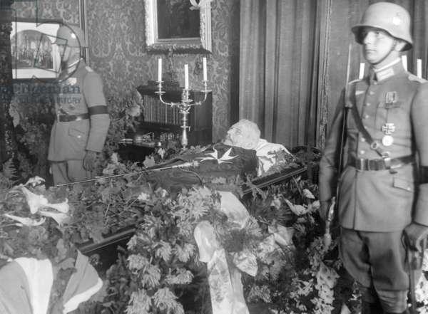 Paul v. Hindenburg Funeral, 1934 (b/w photo)