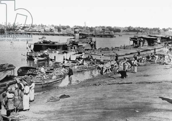 Ships on the Tigris at the harbour of Baghdad, 1935 (b/w photo)