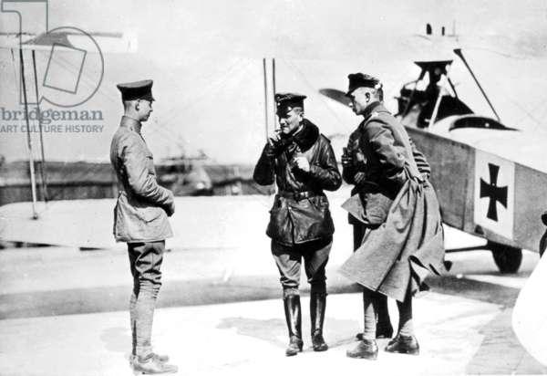 Manfred von Richthofen with other pilots, 1915 (b/w photo)