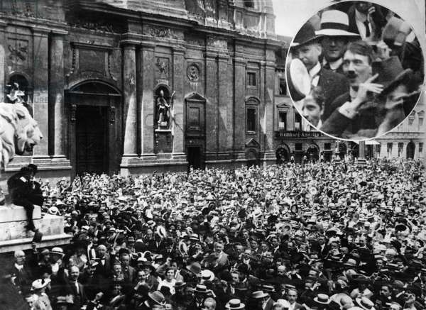 Jubilant crowds at the announcement of the outbreak of WWI, Odeonsplatz, Munich, 2nd August 1914 (b/w photo)