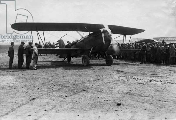 Charles Lindbergh at the airfield Curtiss Field, 1928 (b/w photo)