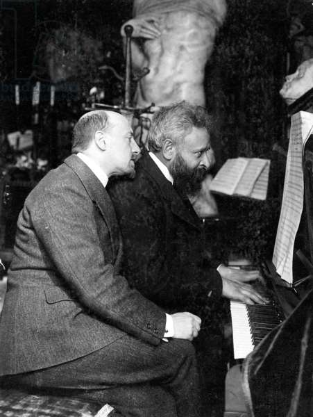 Gabriele D'Annunzio and A. Franchetti, 1906 (b/w photo)