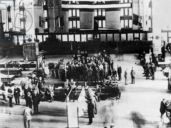 Black Friday on the Wall Street, 1929 (b/w photo)